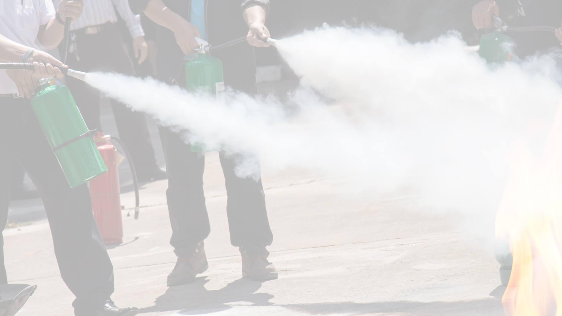 Formation incendie Lyon - Manipulation des extincteurs - PrevInter